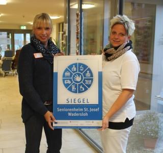 Pflegedienstleiterin Astrid Thiele-Jérome und Pflegefachkraft .....Engel